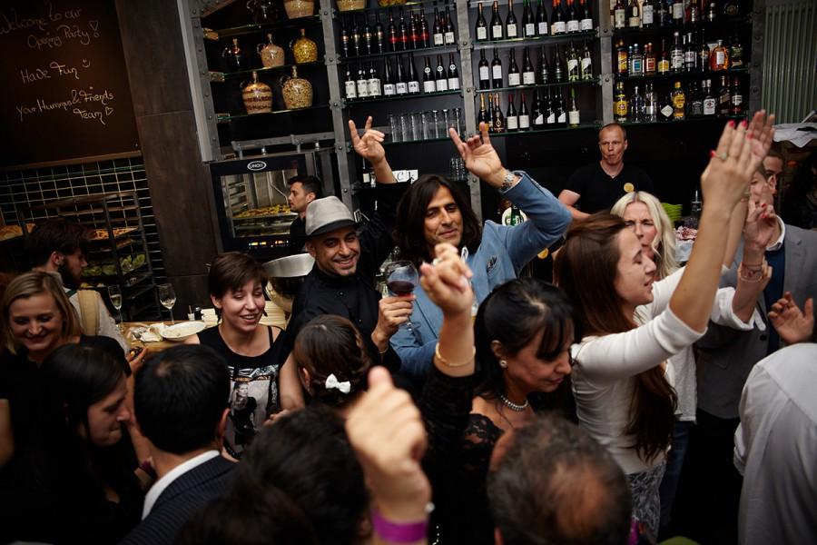 Hummus & Friends bringt Kult-Hummus nach Berlin
